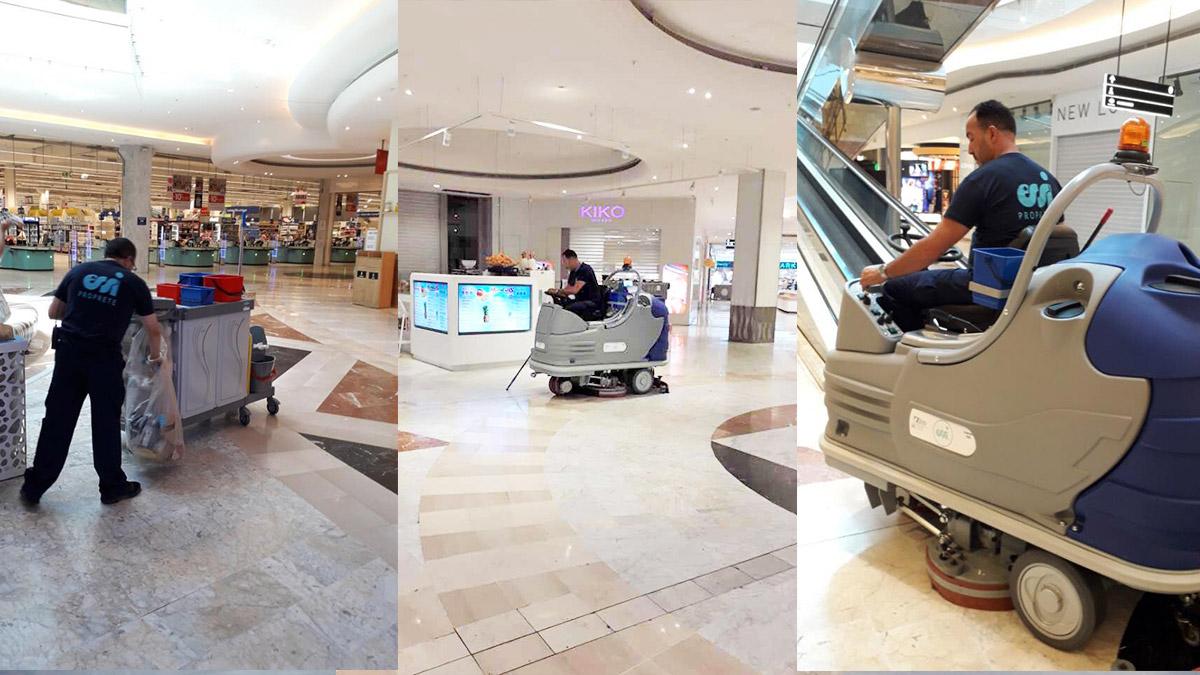 Intervention d'agents de nettoyage dans un centre commercial