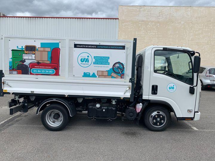 Camion benne Essi propreté pour le ramassage des encombrants